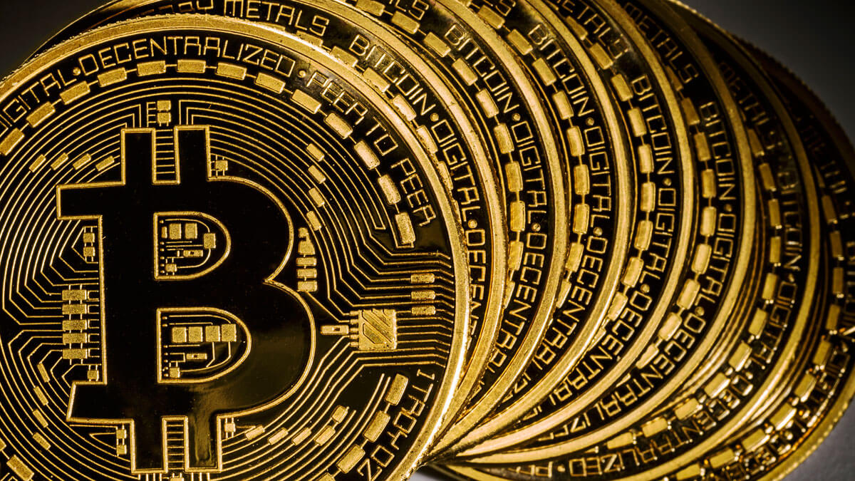 Middle Village позволит оплачивать повседневные покупки криптовалютой
