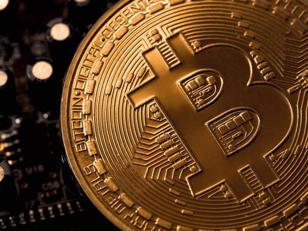 Криптовалютный рынок восстанавливается, но биткоин и эфириум находятся под давлением