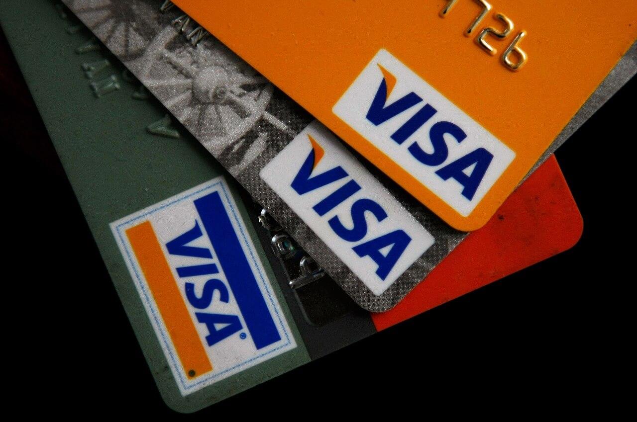 Владельцы Visa и Mastercard активно используют цифровую валюту