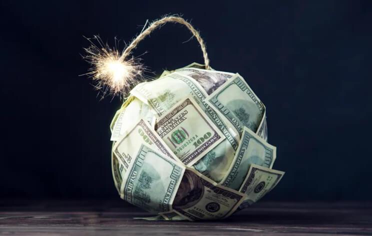 В Нью-Йорке дефицит наличности. ФРС не смогла поддержать биткоин