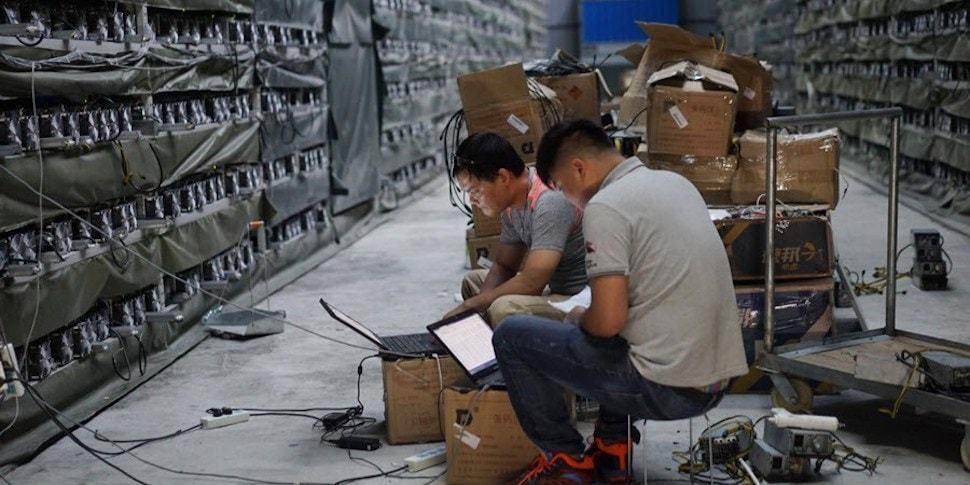 Китайских майнеров отключают от дешевого электричества