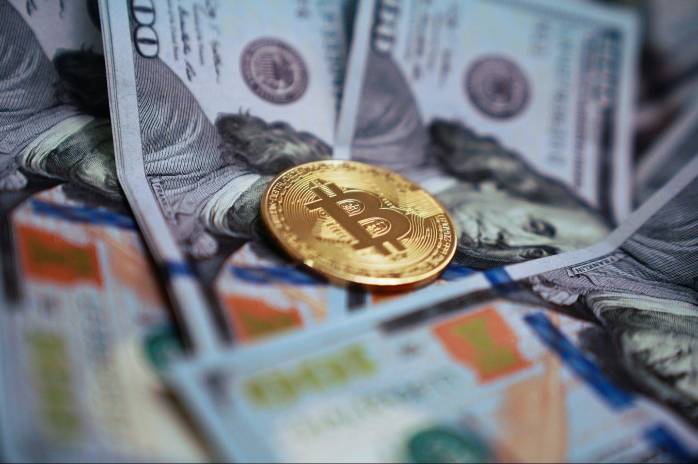 BTC в ТОП-6 по стоимости наличной денежной массы