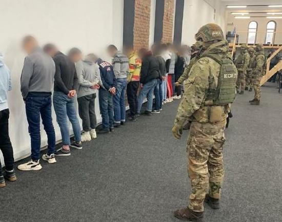 Украинский «колл-центр» отмыл 42 млн в криптовалюте