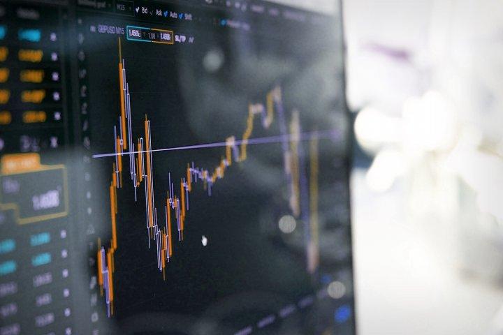Dune Analytics: обороты DEX снижаются уже два месяца