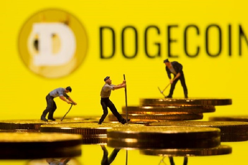 Бутерин против планов Маска насчет Dogecoin